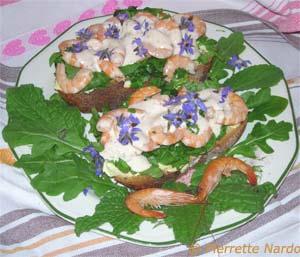 Cuisine des fleurs comestibles - Crevettes en canapé
